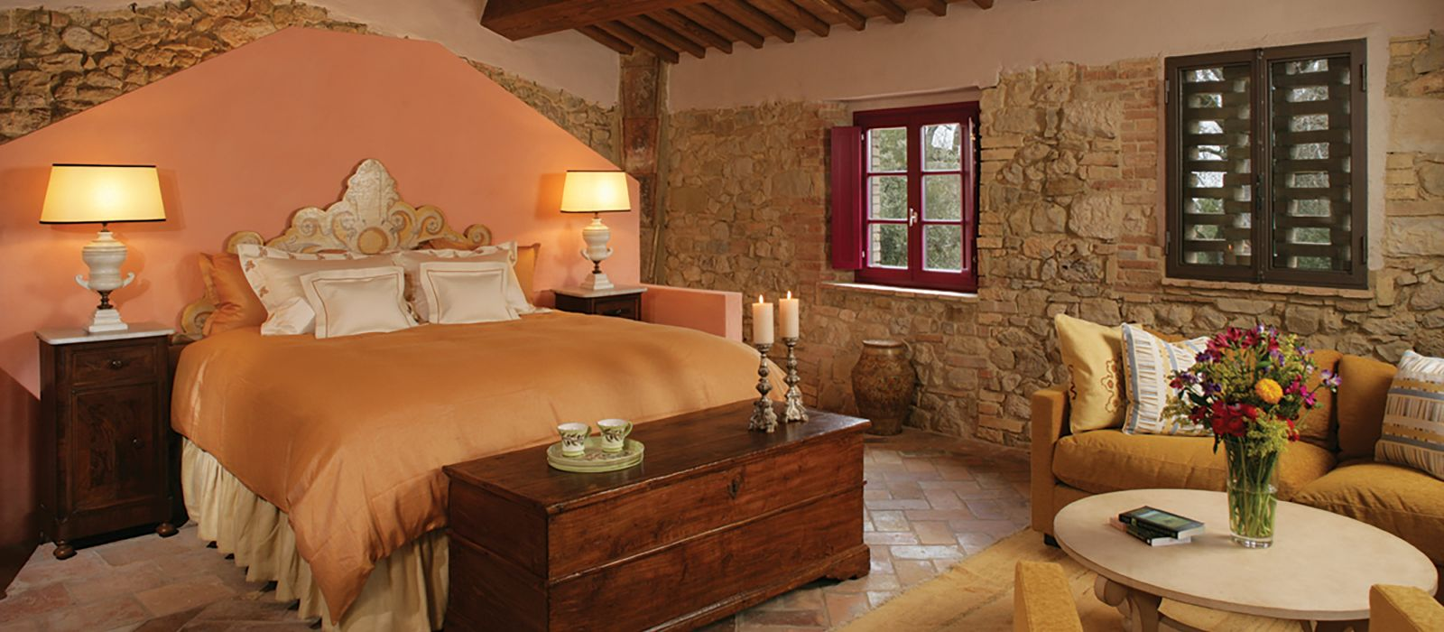 Casail Escaiole guest bedroom